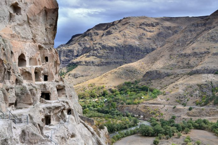 Vardzia Cave City tour